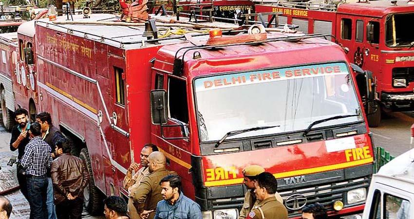 dangerous-fire-in-delhis-at-sant-nagar-area-the-whole-house-was-burnt-to-ashes