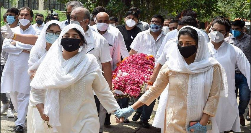 amar-singh-cremated-in-delhi-prsgnt