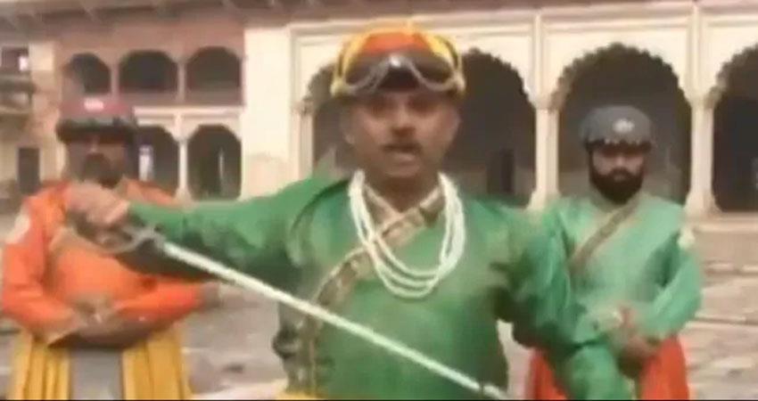 pakistan repoter viral video social media ameen hafeez unesco  jara hatke