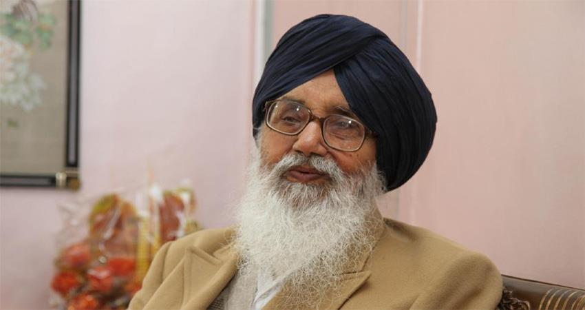 parkash-singh-badal-said-rahul-is-totally-clumsy-modi-is-in-power-for-pm-post