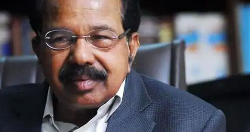 supreme court not required to sentence prashant bhushan says veerappa moily rkdsnt