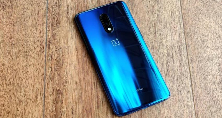 oneplus launched mirror blue color variant in india