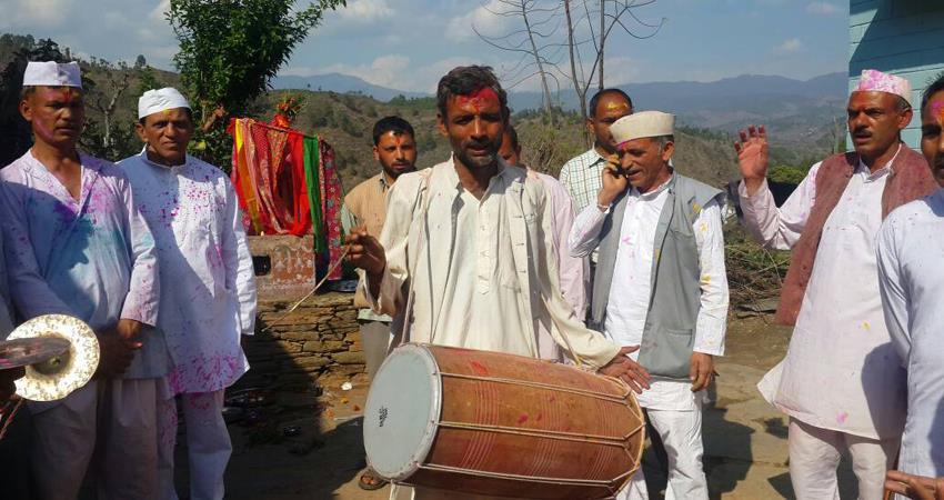holi-celebration-in-uttarakhand