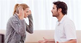 बॉयफ्रेंड की ये बुरी आदतें गर्लफ्रेंड को लड़ने पर कर देती हैं मजबूर, जानें वजह
