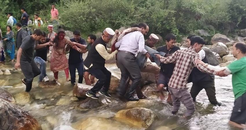 himachal-pradesh-20-people-died-in-bus-accident-in-kullu-rescue-operation-continues