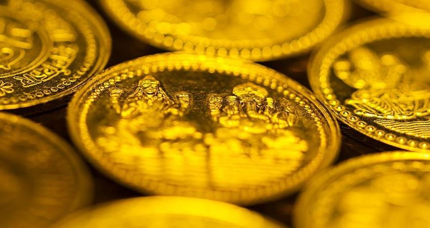 market rose in dhanteras before diwali sales of coins and light jewelery increased rkdsnt