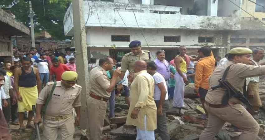 explosion at firecracker factory in etah uttar pradesh 6 including 2 girls killed