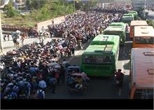 DTC बसों की मदद से लोगों को हापुड़, मेरठ, बुलन्दशहर तथा आसपास के क्षेत्रों में भेजा गया