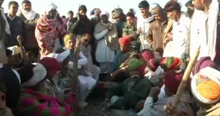 gujjars-movement-fo-reservation-vijay-bainsla-warns-bjp-congress-govt-railway-passengers-puzzle
