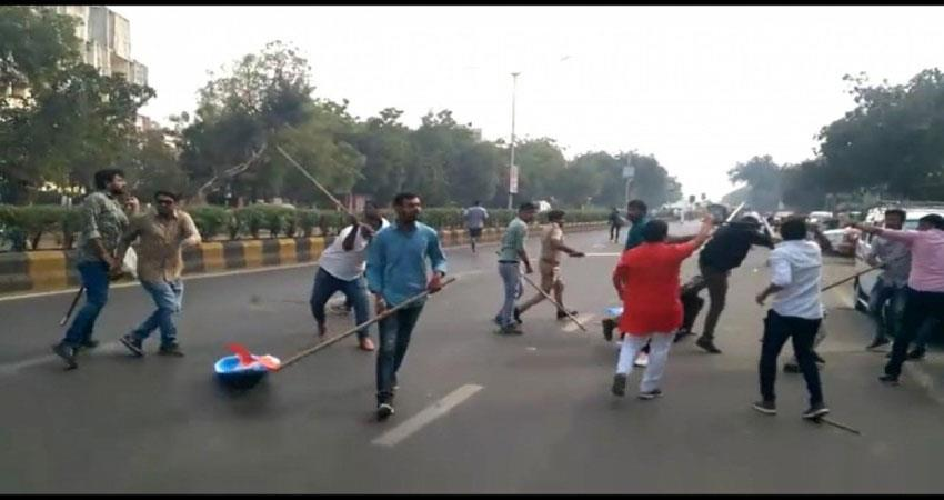 jnu-violence-clashes-between-abvp-nsui-members-in-gujarat-more-than-10-injured