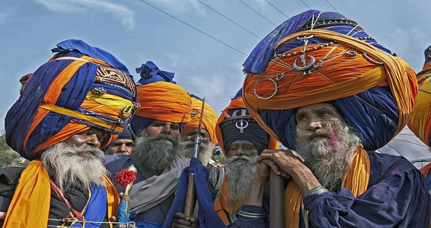 who nihang sikh who are considered symbol of valor and courage in sikhs prsgnt