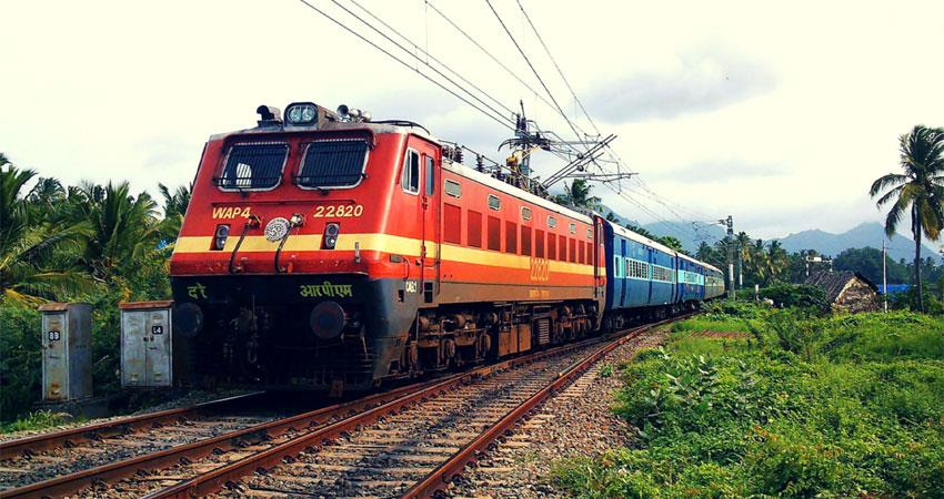 railways earn more than rs 1,536 crore from canceled tickets