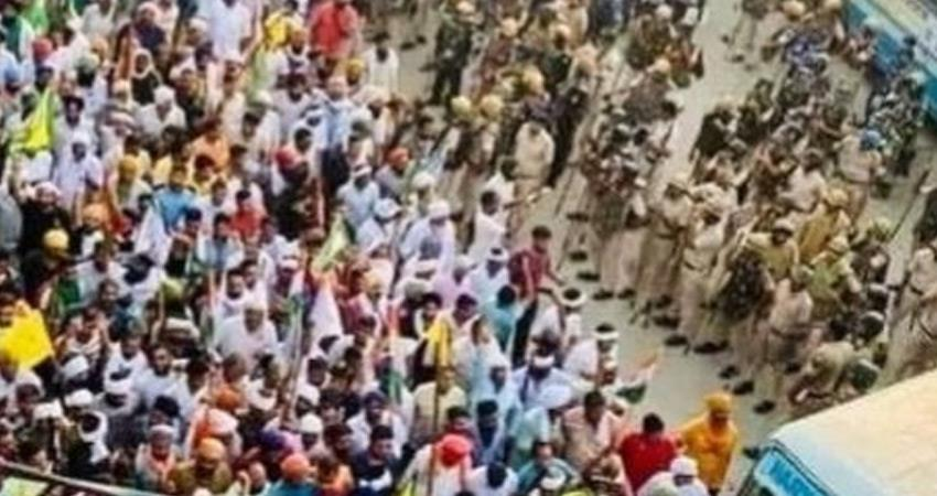 farmers-of-palla-village-who-came-to-meet-yogi-in-dadri-were-detained-rkdsnt