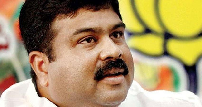 modi government minister dharmendra pradhan corona positive after amit shah rkdsnt