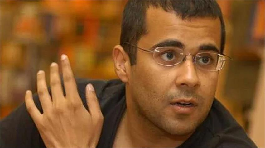 chetan bhagat reasons for wrecked economy people reminded modi bjp govt policies rkdsnt