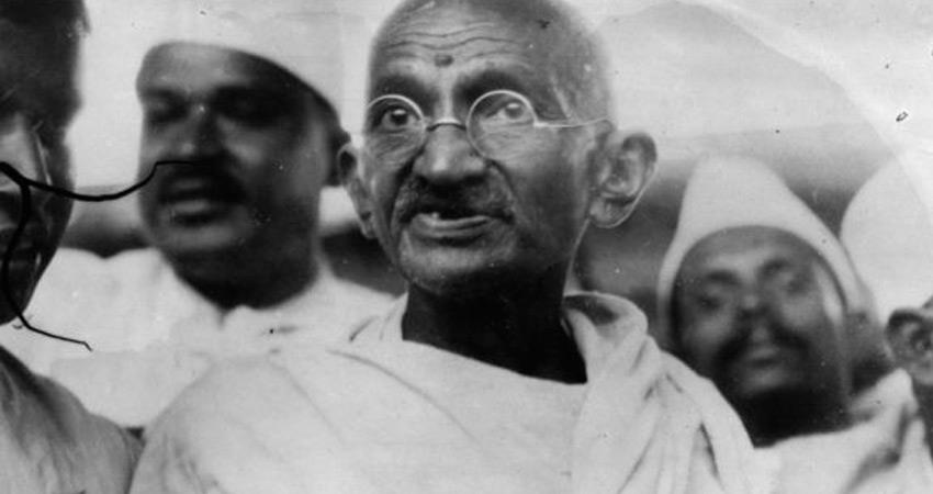 mahatma gandhi that is why did not join celebration of independence day