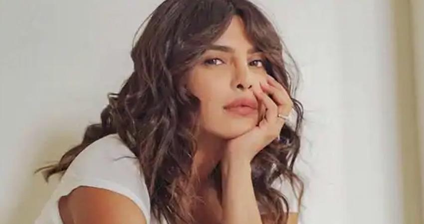 priyanka-chopra-bollywood-actress-opening-great-restaurant-in-new-york-rkdsnt