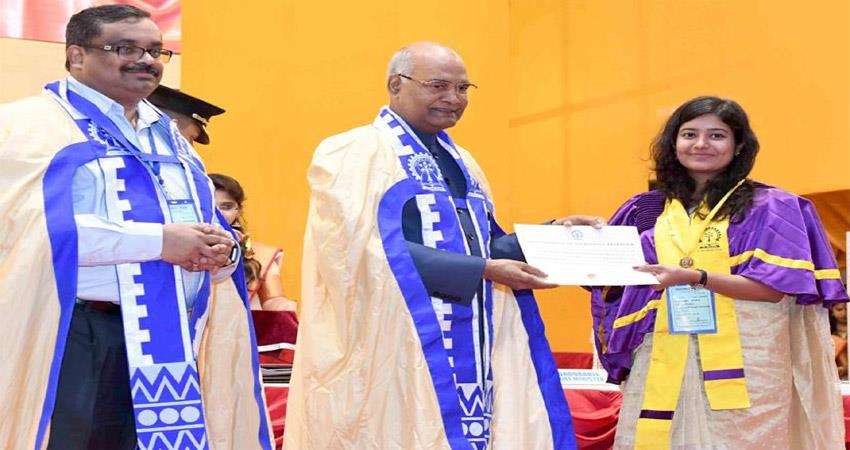 number-of-girls-in-iits-is-unacceptably-low-says-president-kovind