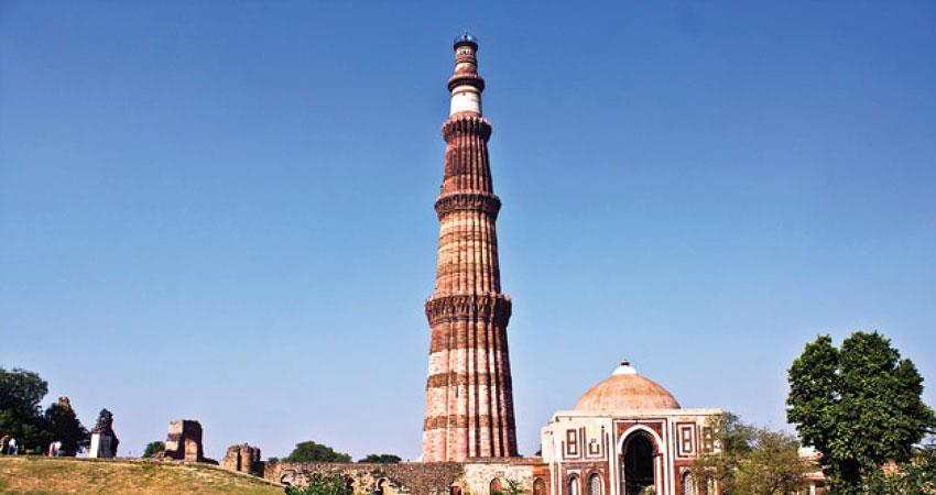 qutub minar comprising indian archaeological protected buildings open to tourists delhi rkdsnt