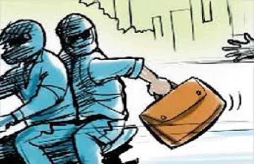 the miscreants gave about 10 lakh rupees after quarreling on the pretext of road rage