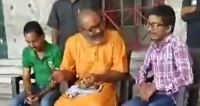 Yeti Narasimhanand made indecent remarks against BJP women SP raised questions rkdsnt