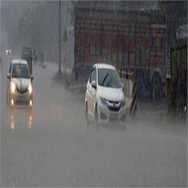 दो दिन से पड़ रही बारिश, पंजाब सरकार ने किया रेड अलर्ट जारी