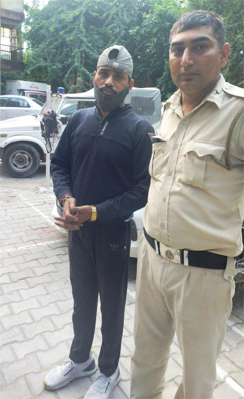 stolen-bike-from-haryana-and-was-filling-the-streets-of-delhi-arrested