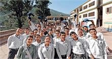 हिमाचल में तृतीय, चतुर्थ श्रेणी की सरकारी नौकरियों के लिये राज्य के स्कूलों से पढ़ा होना जरूरी
