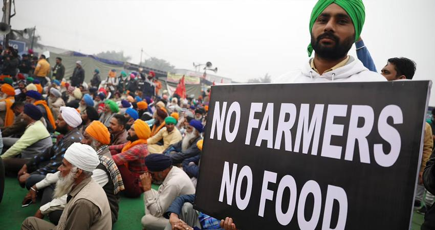 farmers movement in ongoing dharna at jind toll plaza farmer died by consuming poison rkdsnt