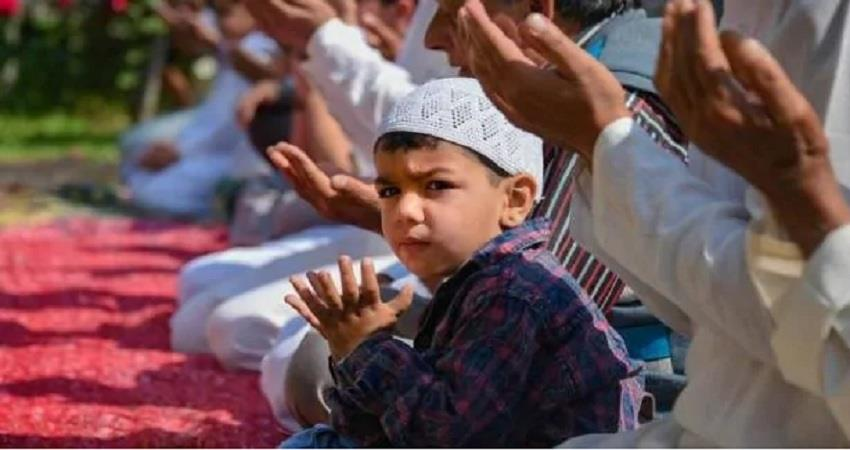 eid will be celebrated across the country on monday people see the moon albsnt