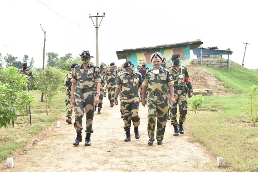 bsf-jawans-committed-to-protect-international-borders-under-all-circumstances