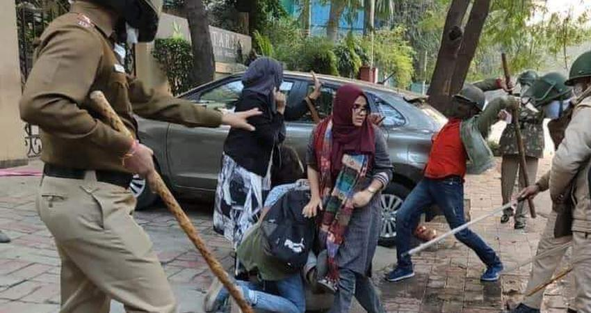 high court seeks response from delhi police on petitions related to jamia violence rkdsnt