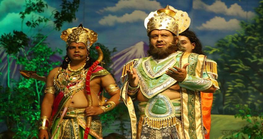 audience-appreciate-laxman-parshuram-dialogue-and-sita-swayamvar
