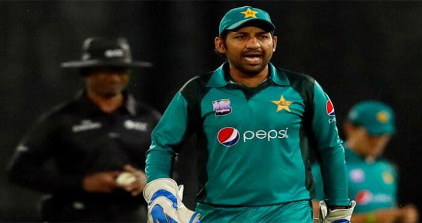 afridi-abbas-does-not-want-to-see-sarfaraz-in-test-captain