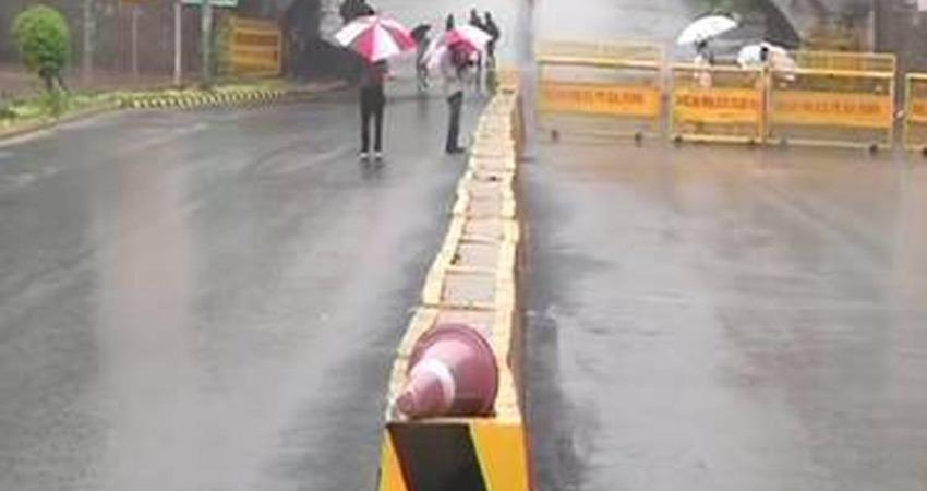 sudden-change-in-weather-in-delhi-light-rain-in-many-places-rkdsnt