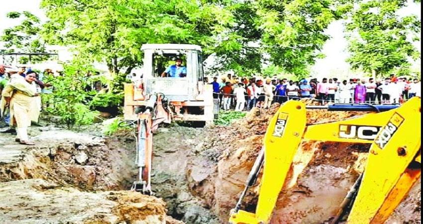 punjab-campaign-to-remove-child-from-borewell-going-on-48-hours