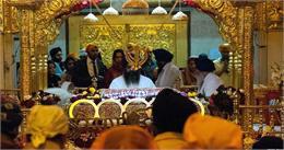 सिख श्रद्धालुओं ने ननकाना साहिब में गुरू नानक देव का 550 वां प्रकाश पर्व मनाया