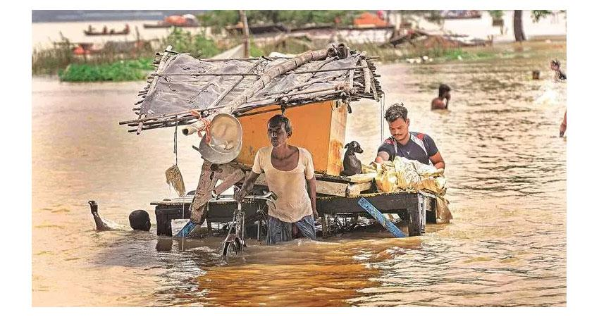 up: floods and rains increase problems 19 dead