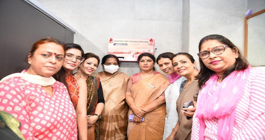 women-will-get-free-sanitary-pads-bjp-mahila-morcha-installed-vending-machines