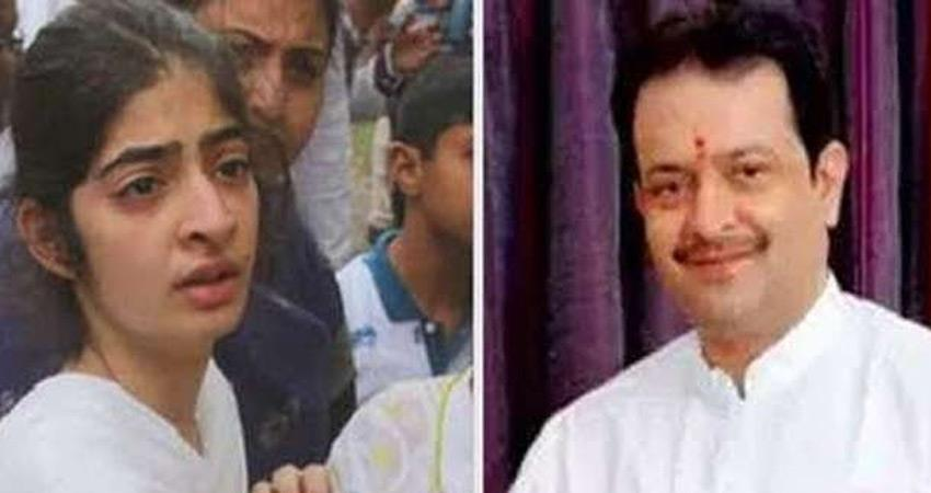 bhaiyyu-maharaj-daughter-allegation-i-included-in-trust-of-father-forging-signature-rkdsnt