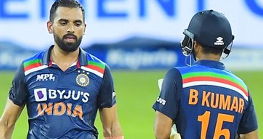 indian-team-out-for-225-against-sri-lanka-rkdsnt