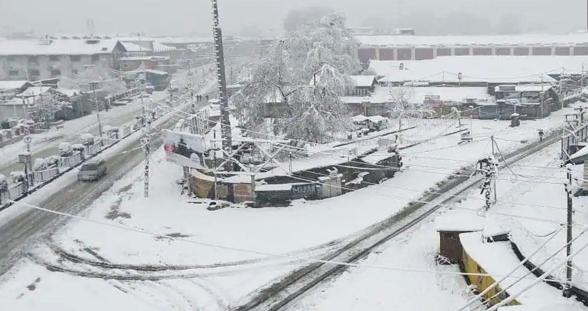 kashmir-internet-service-stalled-in-media-facility-center-due-to-snowfall