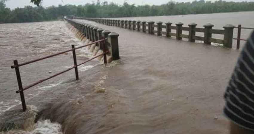 gujarat rains narmada in bharuch above danger mark