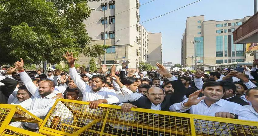 Tis Hazari violence Lawyer'' strike will continue in Delhi district courts on Wednesday