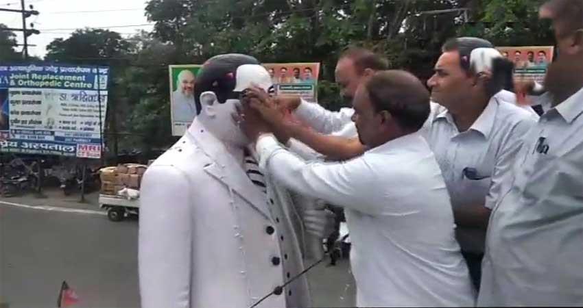 rss-leader-garland-ambedkar-statue-dalit-lawyers-purify-it