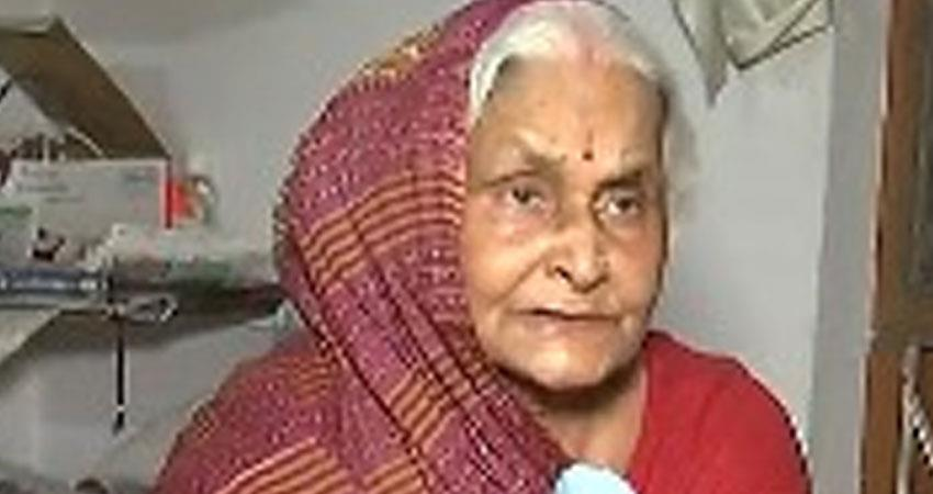 angry mother of absconding vikas dubey says even if he dies no sorrow rkdsnt