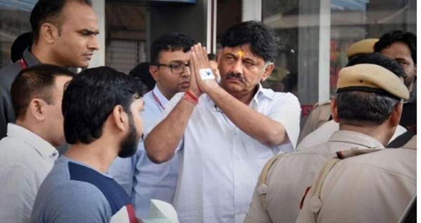 Congress leader Shivkumar admitted in hospital after complaining of chest pain