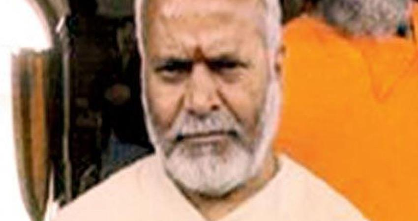 swami chinmayanand admit in medical college up sit still linking rape case
