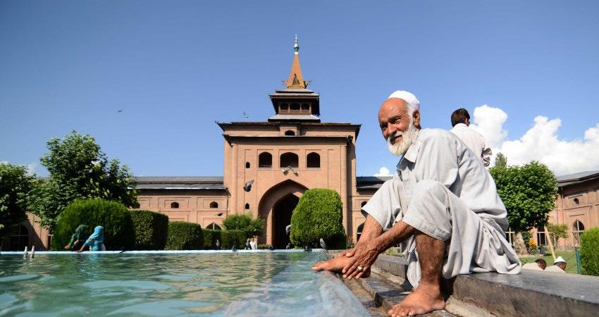 jammu and kashmir after abolition article 370 no prayer in big jamia masjid srinagar