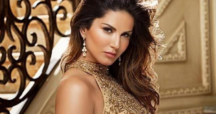 chitting case filed against bollywood actress sunny leone kerala police question rkdsnt